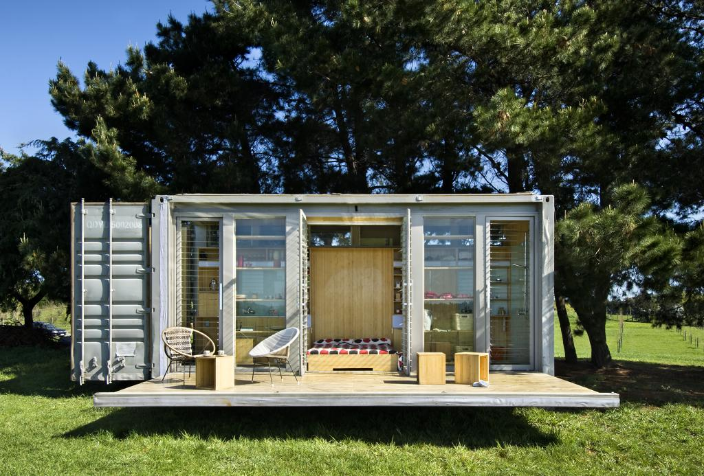15 Incredible Home & Offices Built Using $2,000 Shipping Containers