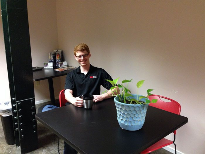 guy-babysits-coworkers-plant-2