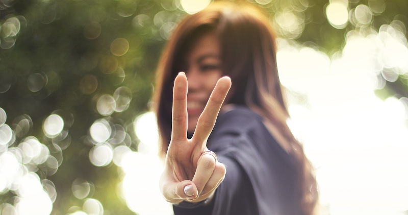 Are peace signs a new tool for identity thieves?