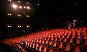 1280px-Richard_in_an_empty_theater