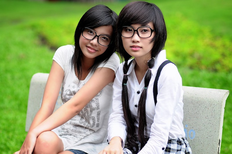 Asian Student Pretty Girl Girl Glasses Friends