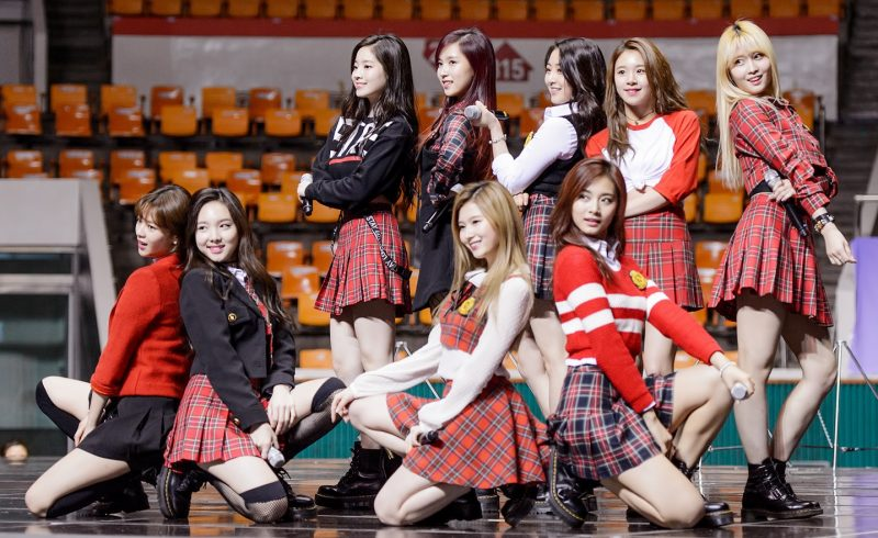 twice_performing_at_sac_2016_02_cropped-1