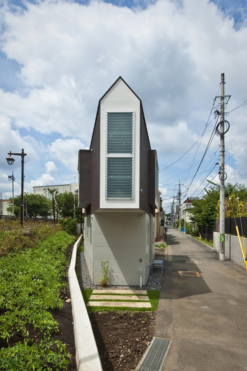 Gorgeous House In Japan Is The Perfect Example Of How To Utilize Small Spaces