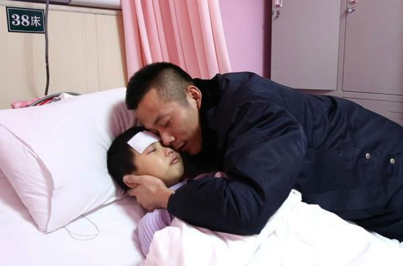 cancer-stricken chinese girl asks father to stop treating her