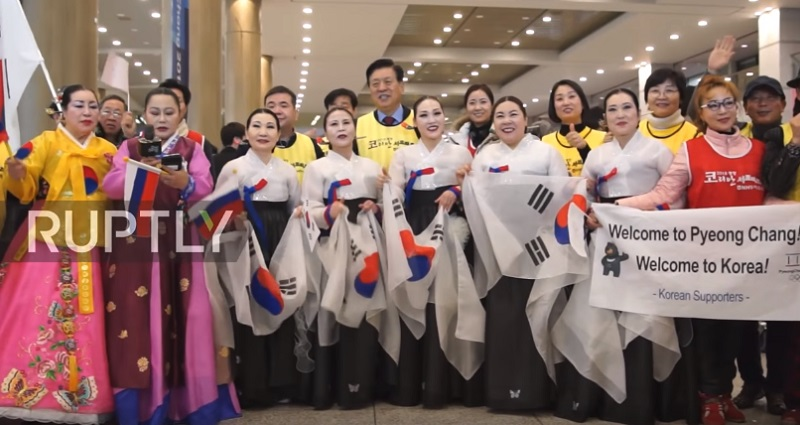 olympic korean supporters cheer for foreign teams in winter olympics
