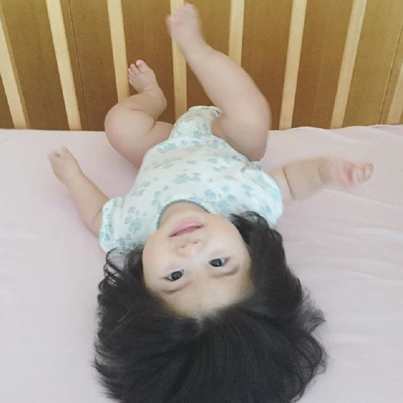 A baby to become girl forced with rewrite