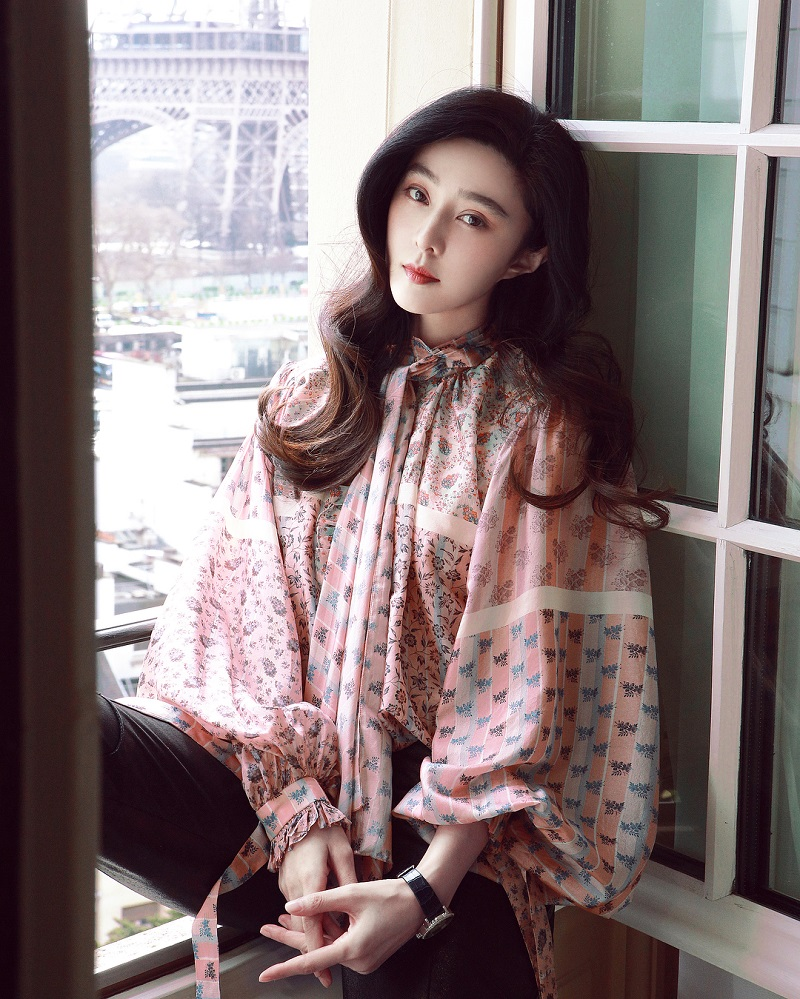 After going silent for months and owning up to her mistake from the tax evasion scandal last year, Chinese actress Fan Bingbing has surfaced again on social media to extend her Lunar New Year greetings to her fans.