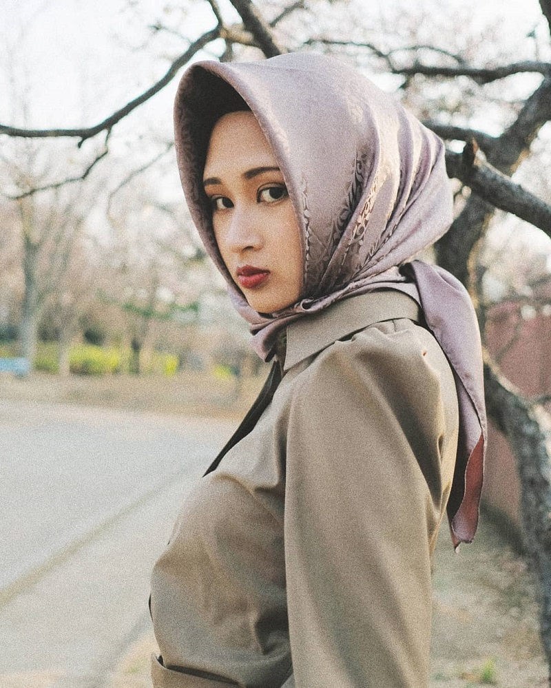 Muslim Instagrammer In Japan Is Taking Hijab Fashion To A Whole New