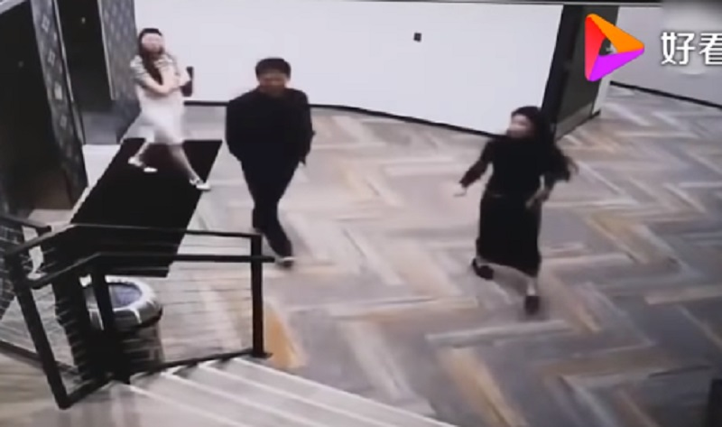 Richard Liu, the Chinese billionaire accused of rape by a University of Minnesota student, has earned the sympathy of many netizens after surveillance clips of him walking with his accuser emerged on social media.