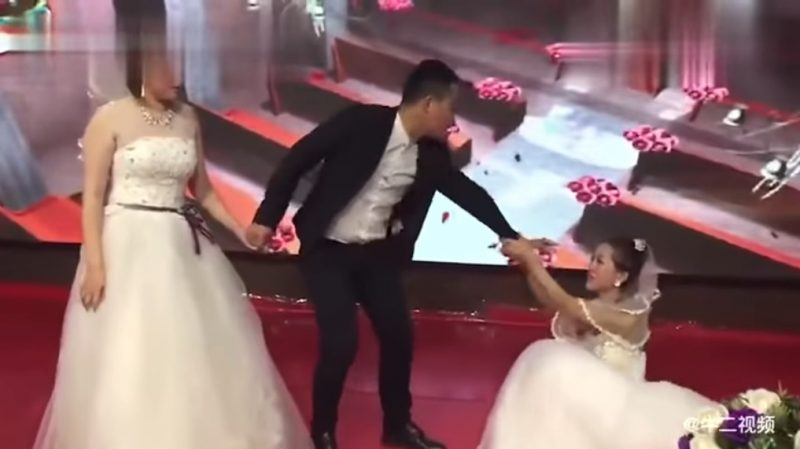 Groom's Ex-Girlfriend Crashes His Wedding Dressed in a Bridal Gown
