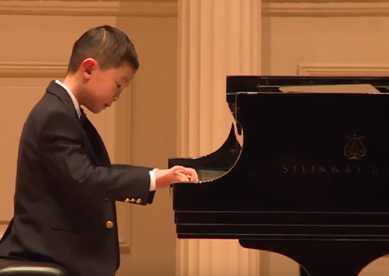 6-Year-Old Piano Prodigy Becomes One of The Youngest to Perform at Carnegie Hall