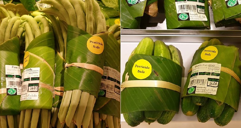 Supermarkets in Asia are Now Using Banana Leaves Instead of Plastic Packaging