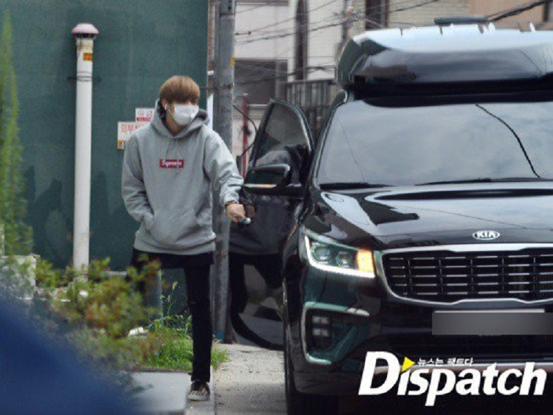 Former Wanna One member Kang Daniel and TWICE leader Park Jihyo are confirmed to be dating, according to the agencies representing the K-pop stars.