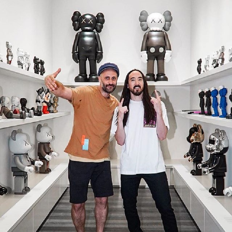 Fans of Reality TV shows and popular DJ, Steve Aoki, are in luck as the Japanese American artist has recently opened the doors to reveal the amazing interior of his Las Vegas, Nevada mansion.