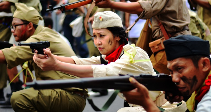 Indonesian women soldiers